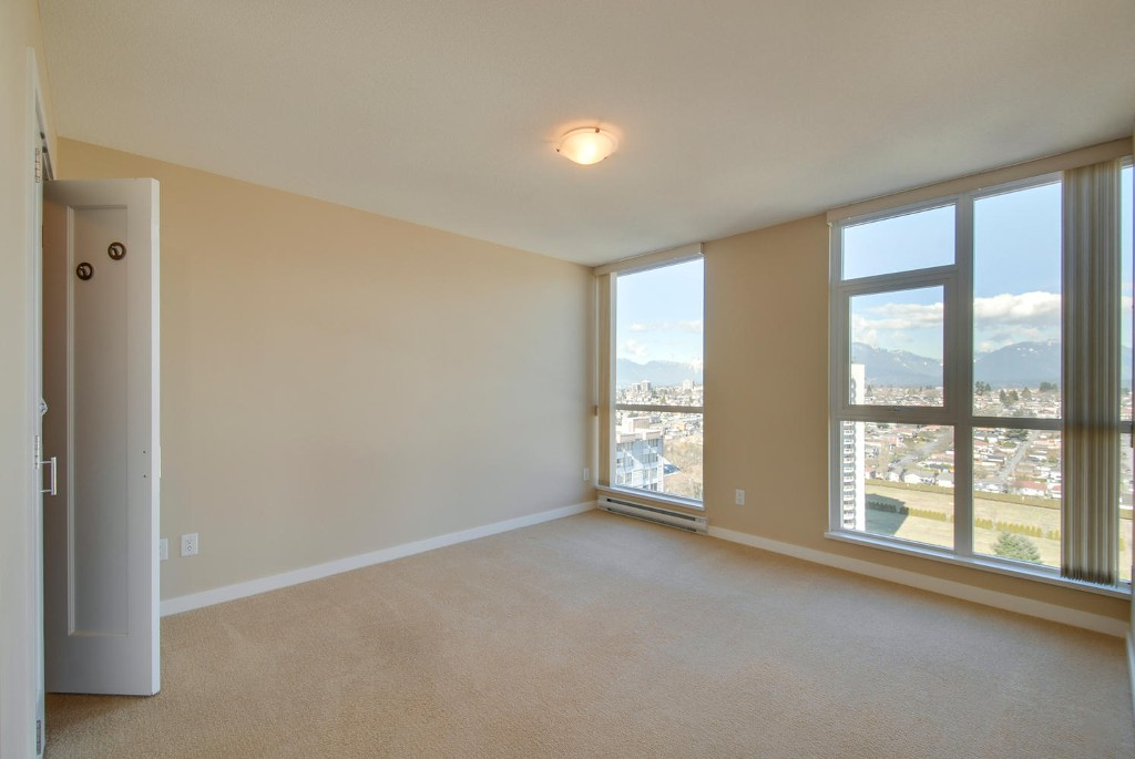 Photo 9: # 2202 4400 BUCHANAN ST in Burnaby: Brentwood Park Condo for sale (Burnaby North)  : MLS(r) # V1049592