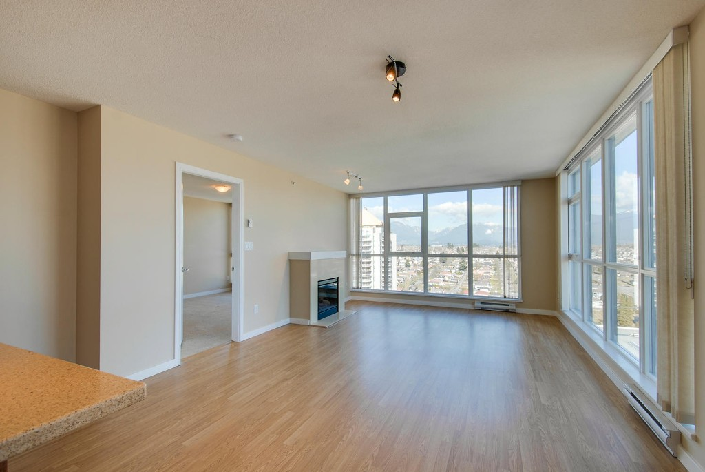 Photo 6: # 2202 4400 BUCHANAN ST in Burnaby: Brentwood Park Condo for sale (Burnaby North)  : MLS(r) # V1049592