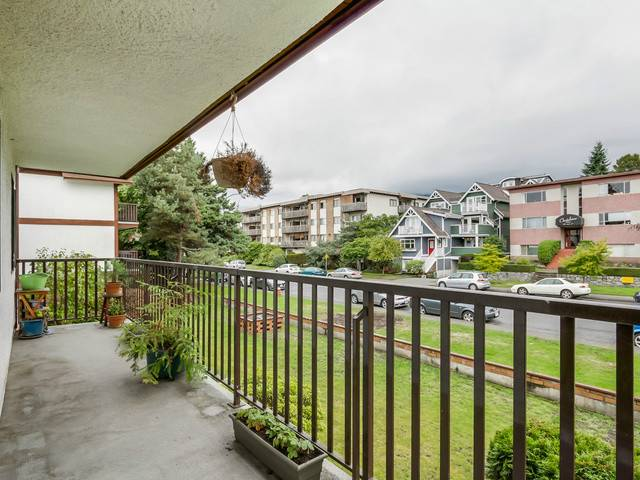 Photo 14: # 201 131 W 4TH ST in North Vancouver: Lower Lonsdale Condo for sale : MLS(r) # V1090521