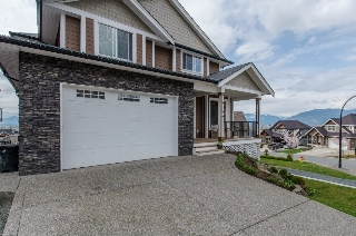 Main Photo: 51124 Sophie Crescent in Chilliwack: House for sale : MLS®# R2048439