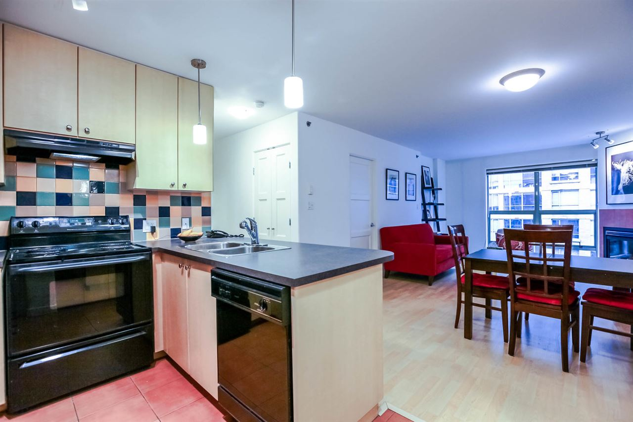 Photo 4: 808 819 HAMILTON STREET in Vancouver: Downtown VW Condo for sale (Vancouver West)  : MLS(r) # R2118682
