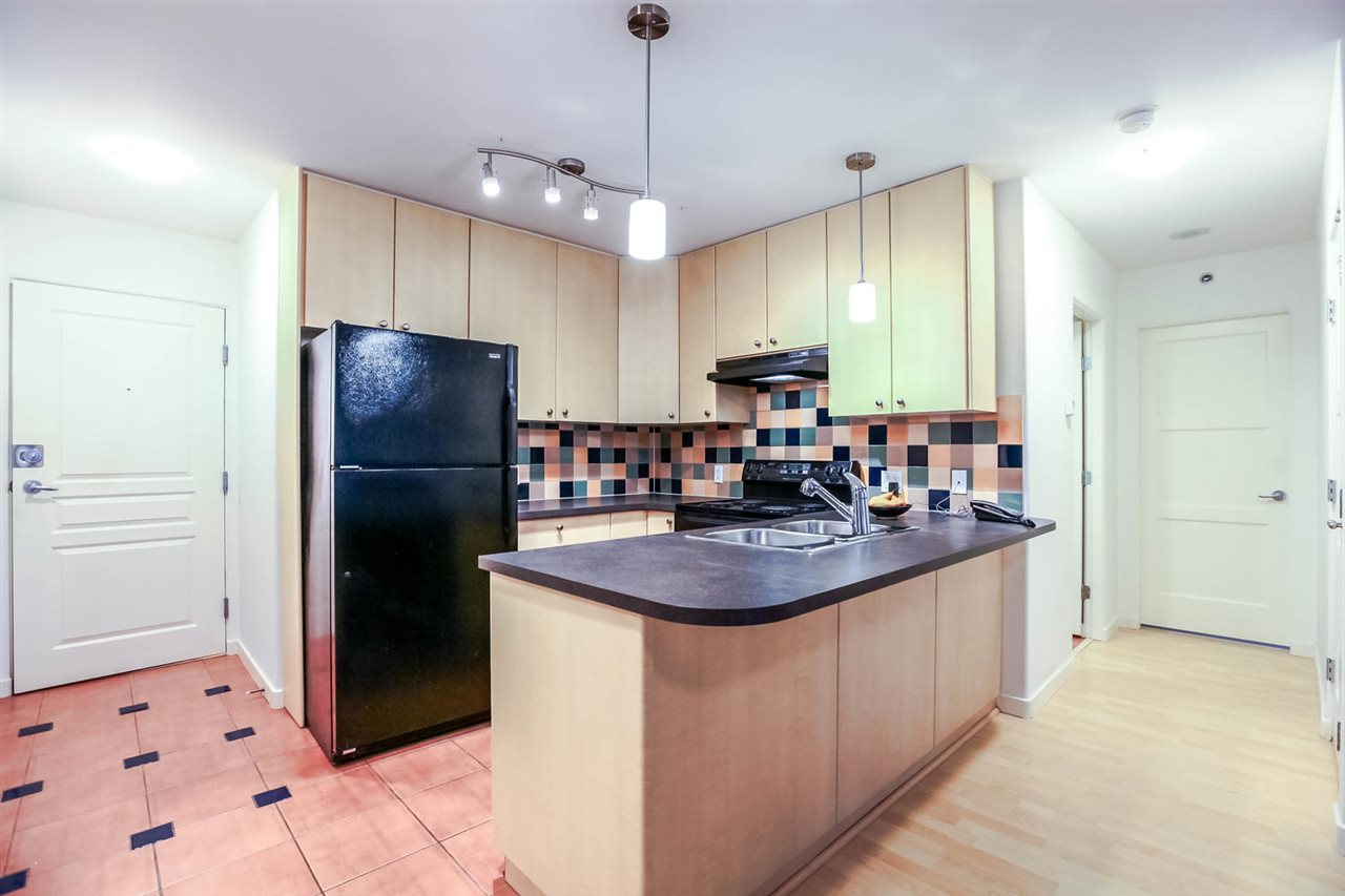 Photo 3: 808 819 HAMILTON STREET in Vancouver: Downtown VW Condo for sale (Vancouver West)  : MLS(r) # R2118682
