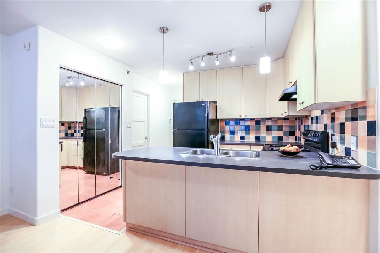 Photo 2: 808 819 HAMILTON STREET in Vancouver: Downtown VW Condo for sale (Vancouver West)  : MLS(r) # R2118682