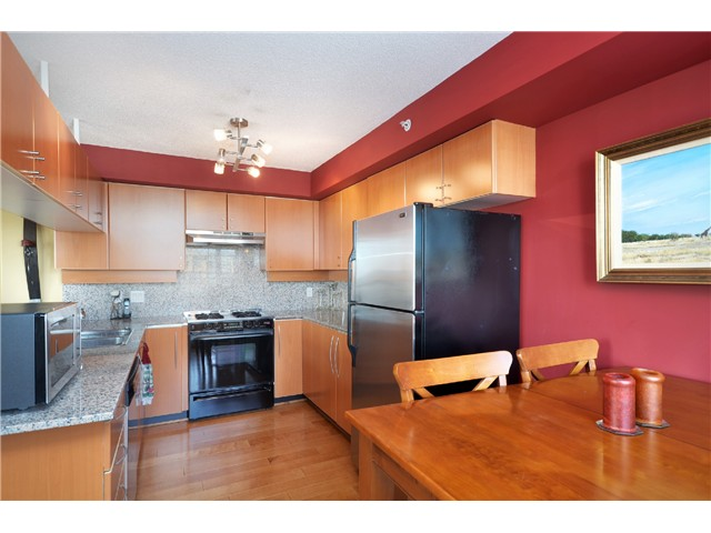 "Photo 7: # 2204 1238 RICHARDS ST in Vancouver: Yaletown Condo for sale in ""Metropolis"" (Vancouver West)  : MLS(r) # V1023546"