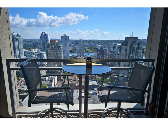 "Photo 9: # 2204 1238 RICHARDS ST in Vancouver: Yaletown Condo for sale in ""Metropolis"" (Vancouver West)  : MLS(r) # V1023546"