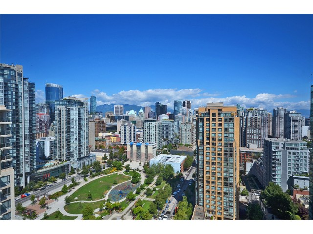 "Photo 4: # 2204 1238 RICHARDS ST in Vancouver: Yaletown Condo for sale in ""Metropolis"" (Vancouver West)  : MLS(r) # V1023546"