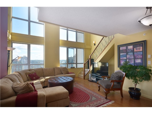 "Photo 2: # 2204 1238 RICHARDS ST in Vancouver: Yaletown Condo for sale in ""Metropolis"" (Vancouver West)  : MLS(r) # V1023546"