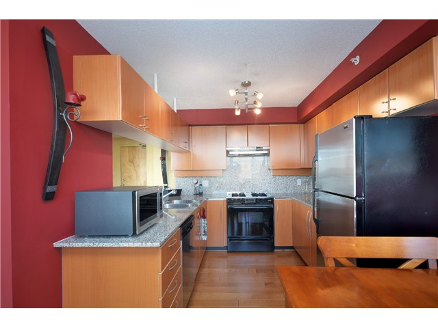 "Photo 6: # 2204 1238 RICHARDS ST in Vancouver: Yaletown Condo for sale in ""Metropolis"" (Vancouver West)  : MLS(r) # V1023546"