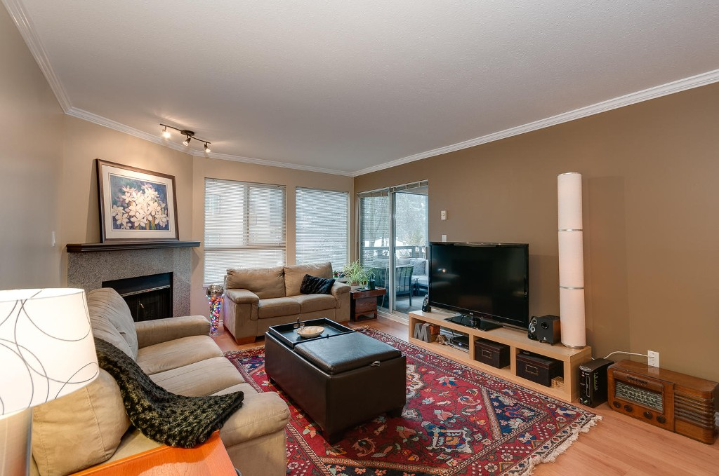 Photo 3: # 206 7465 SANDBORNE AV in Burnaby: South Slope Condo for sale (Burnaby South)  : MLS(r) # V1038275