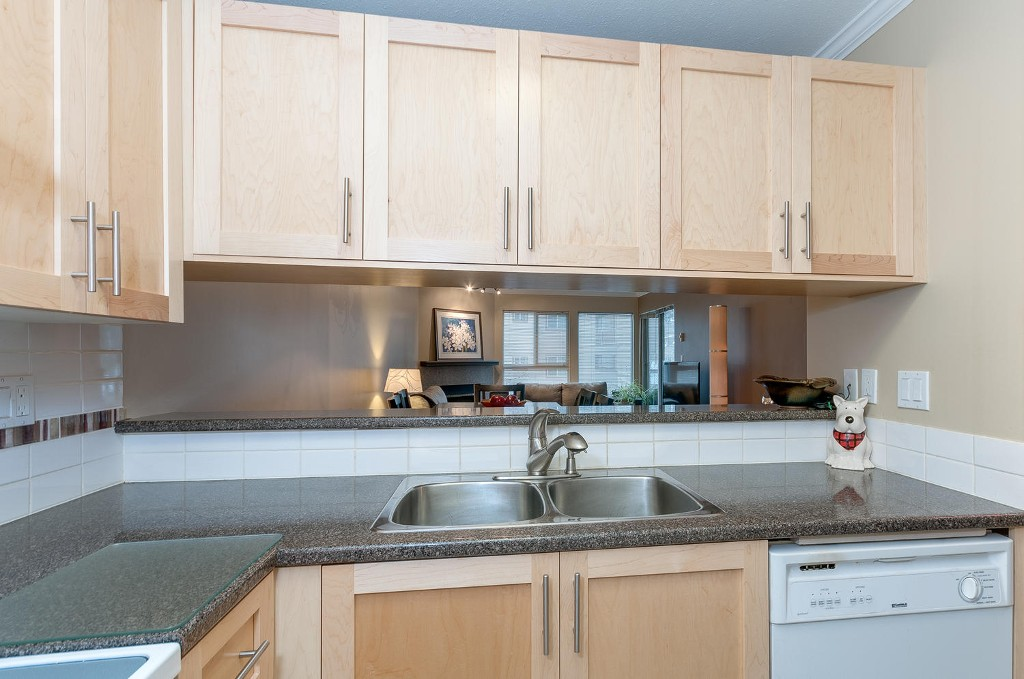 Photo 10: # 206 7465 SANDBORNE AV in Burnaby: South Slope Condo for sale (Burnaby South)  : MLS(r) # V1038275