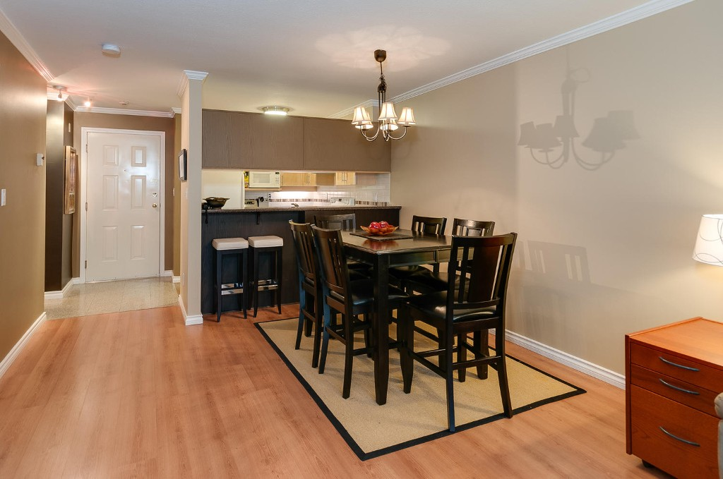 Photo 5: # 206 7465 SANDBORNE AV in Burnaby: South Slope Condo for sale (Burnaby South)  : MLS(r) # V1038275
