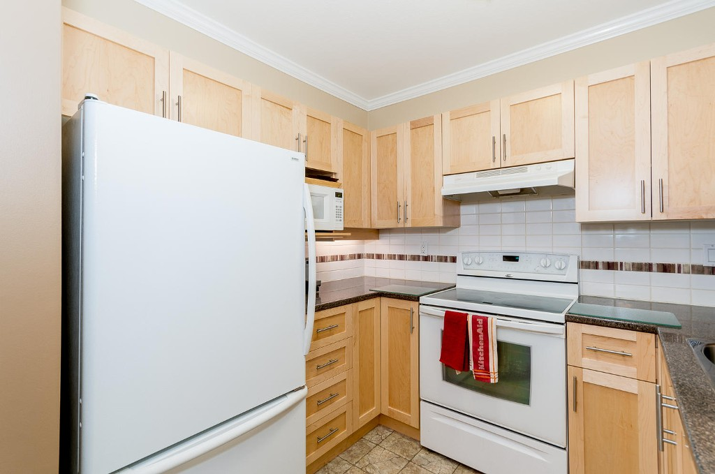 Photo 9: # 206 7465 SANDBORNE AV in Burnaby: South Slope Condo for sale (Burnaby South)  : MLS(r) # V1038275