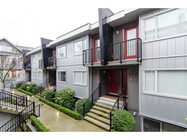 Main Photo: 214 672 W 6th Avenue in Vancouver: Fairview VW Townhouse for sale (Vancouver West)  : MLS® # v1092579