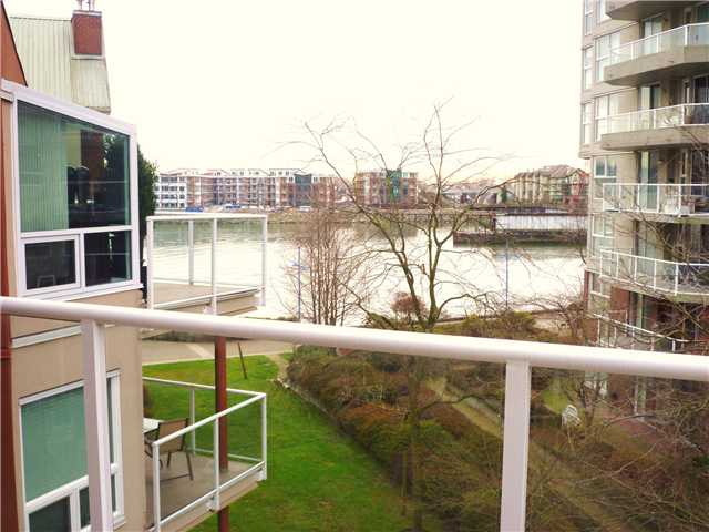 Photo 10: # 402 1230 QUAYSIDE DR in : Quay Condo for sale : MLS® # V866845