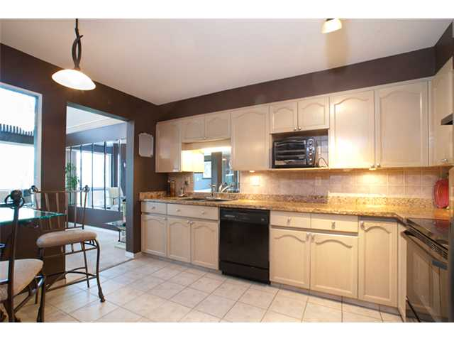 Photo 2: # 402 1230 QUAYSIDE DR in : Quay Condo for sale : MLS® # V866845