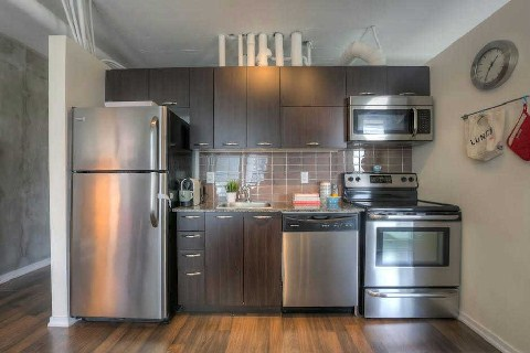 Photo 2: 38 Joe Shuster Way Unit #328 in Toronto: Niagara Condo for sale (Toronto C01)  : MLS® # C2840773