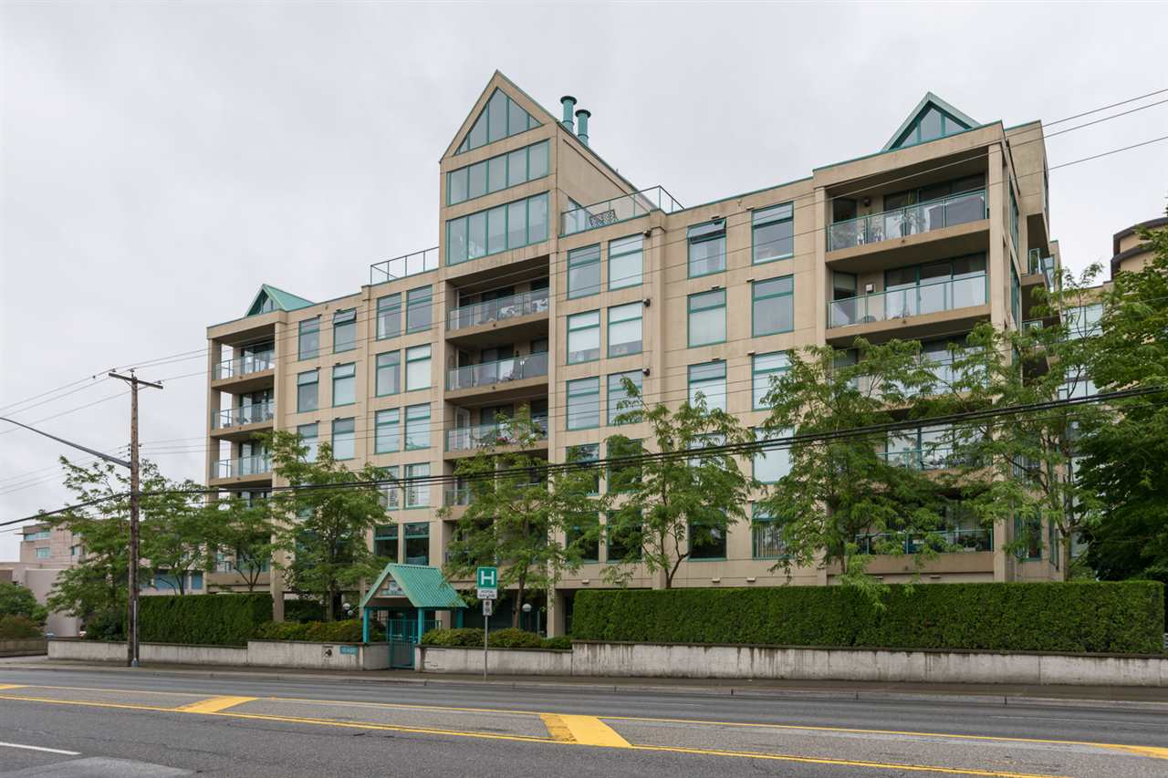 Main Photo: 301 15466 N BLUFF ROAD: White Rock Condo for sale (South Surrey White Rock)  : MLS® # R2085107