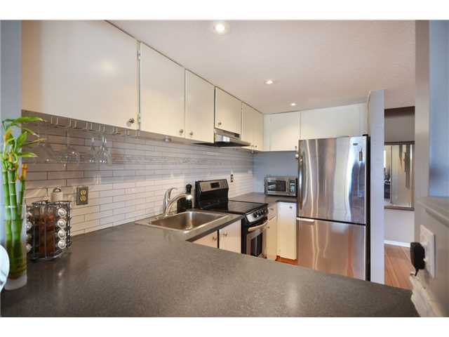 Photo 15: 301 1990 W 6TH Avenue in Vancouver: Kitsilano Condo for sale (Vancouver West)  : MLS® # V943406