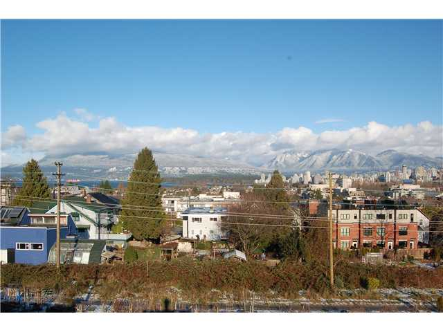 Photo 11: 301 1990 W 6TH Avenue in Vancouver: Kitsilano Condo for sale (Vancouver West)  : MLS® # V943406