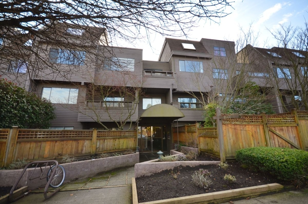 Photo 2: 301 1990 W 6TH Avenue in Vancouver: Kitsilano Condo for sale (Vancouver West)  : MLS® # V943406