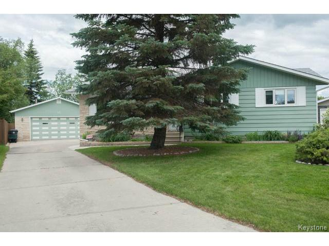 Main Photo: 23 Collingham Bay in WINNIPEG: Charleswood Residential for sale (South Winnipeg)  : MLS® # 1416149