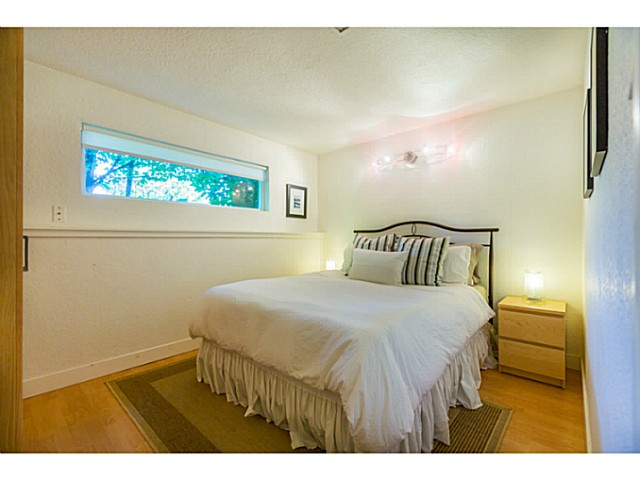 Photo 11: 4538 MACKENZIE ST in Vancouver: MacKenzie Heights House for sale (Vancouver West)  : MLS® # V1098338