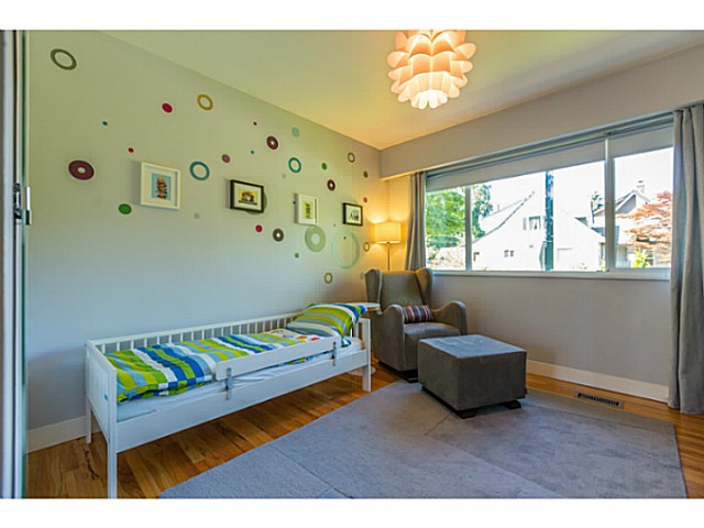 Photo 9: 4538 MACKENZIE ST in Vancouver: MacKenzie Heights House for sale (Vancouver West)  : MLS® # V1098338