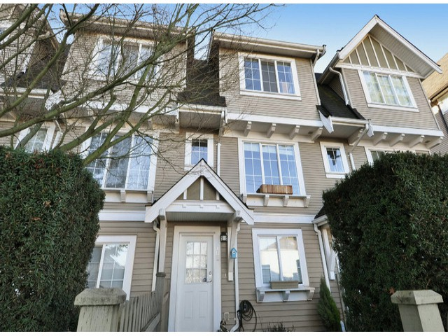 Main Photo: # 102 8775 161ST ST in Surrey: Fleetwood Tynehead Condo for sale : MLS®# F1431447
