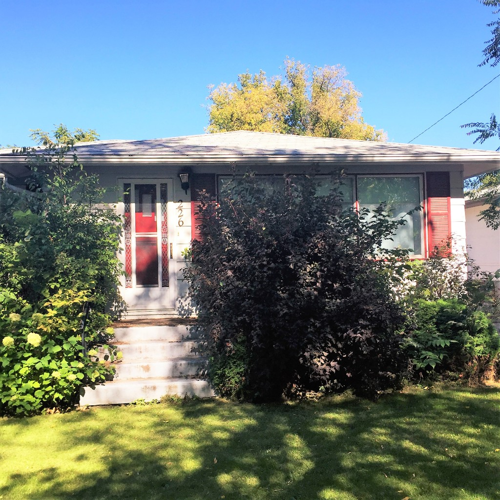 Main Photo: 226 4th Ave NE in Dauphin: Single Family Detached for sale (R30 - Dauphin and Area)