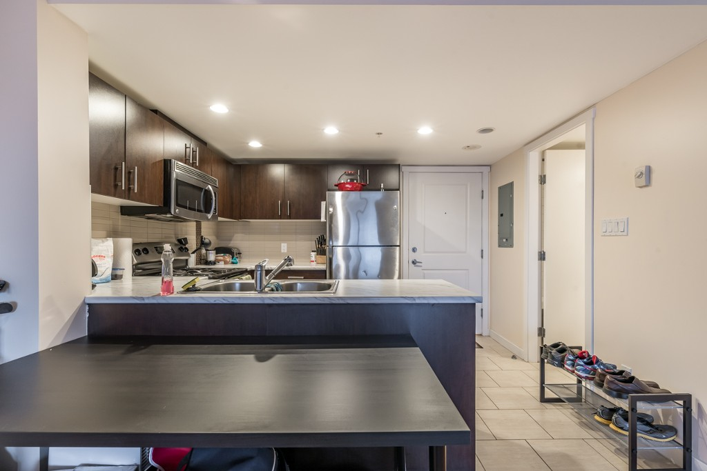 Photo 12: 402 200 KEARY STREET in New Westminster: Sapperton Condo for sale : MLS® # R2145784