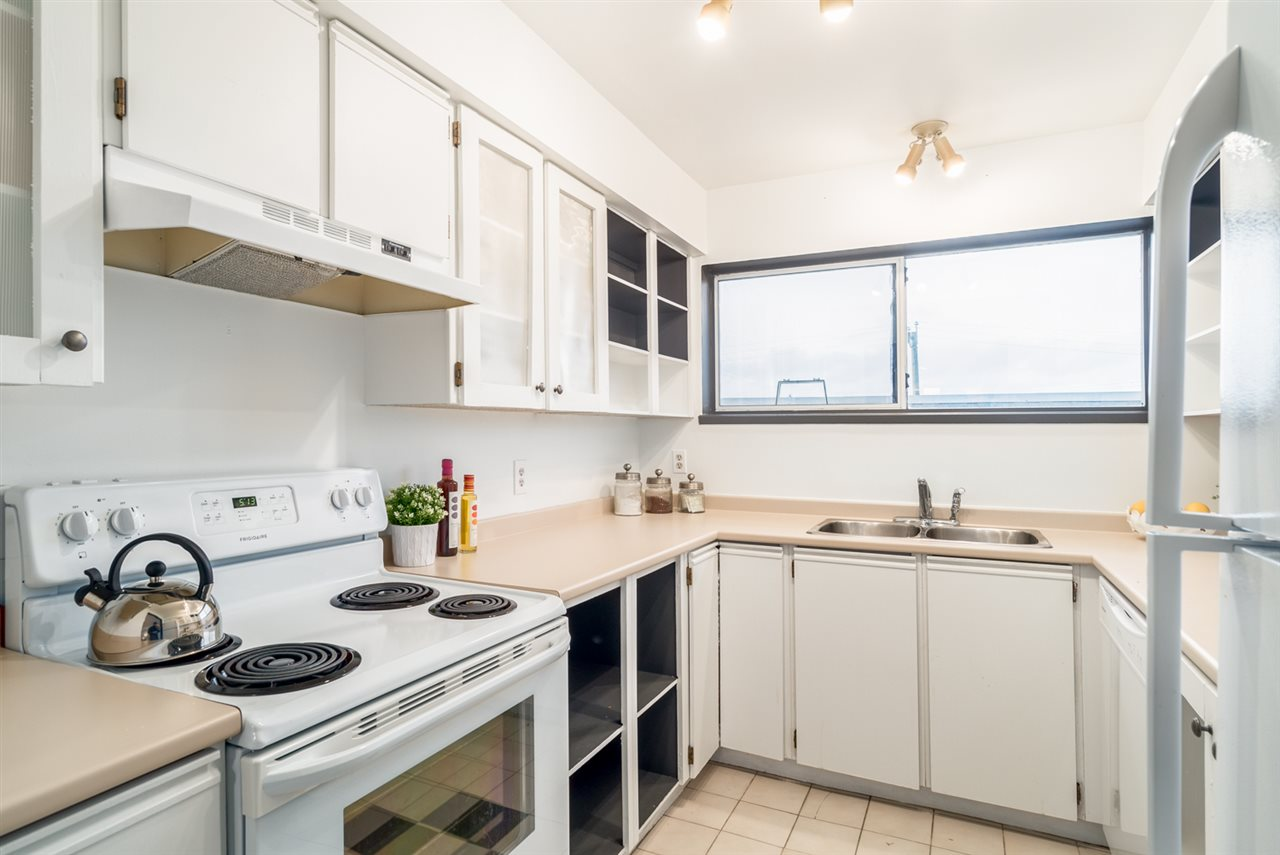 Photo 10: 307 1876 W 6TH AVENUE in Vancouver: Kitsilano Condo for sale (Vancouver West)  : MLS(r) # R2143706