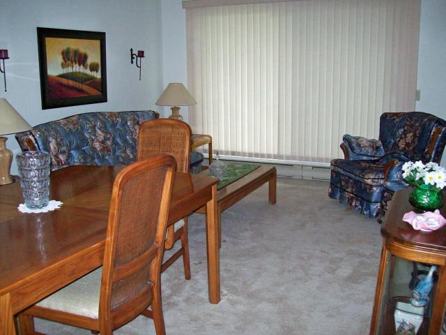 Photo 2: Photos: 885 Wilkes Avenue in WINNIPEG: River Heights / Tuxedo / Linden Woods Condominium for sale (South Winnipeg)  : MLS(r) # 1210491