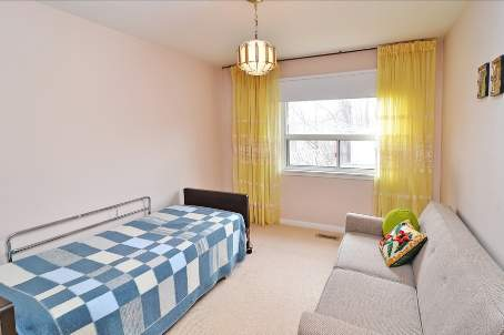 Photo 7: 18 Carscadden Drive in Toronto: Westminster-Branson House (Backsplit 3) for sale (Toronto C07)  : MLS(r) # C2598786
