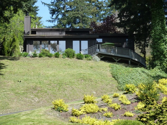 Main Photo: 14023 TRITES Road in Surrey: Panorama Ridge House for sale : MLS(r) # F1310553