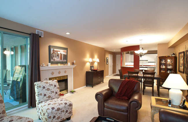 Photo 4: 405 6737 STATION HILL Court in Burnaby South: South Slope Home for sale ()  : MLS(r) # V918296