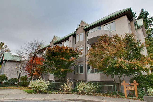 Main Photo: 405 6737 STATION HILL Court in Burnaby South: South Slope Home for sale ()  : MLS® # V918296