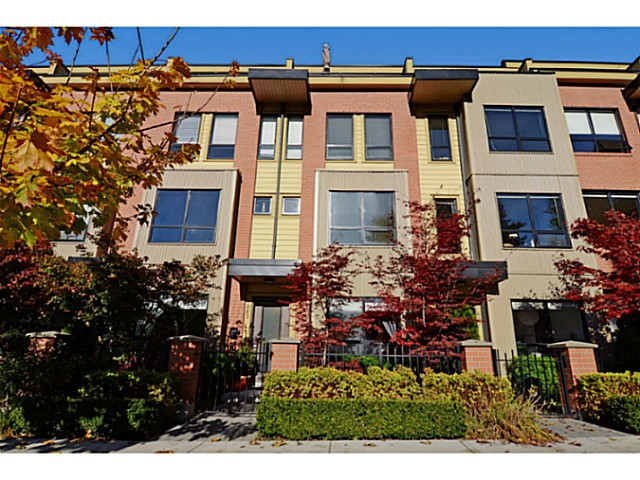 Main Photo: 1883 STAINSBURY AV in Vancouver: Victoria VE Condo for sale (Vancouver East)  : MLS® # V1033987