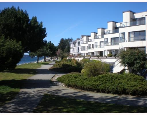 Photo 1: 301 5477 WHARF Road in Sechelt: Sechelt District Condo for sale (Sunshine Coast)  : MLS(r) # V611900