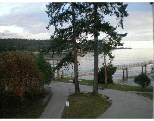 Photo 8: 301 5477 WHARF Road in Sechelt: Sechelt District Condo for sale (Sunshine Coast)  : MLS(r) # V611900