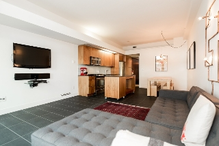 Main Photo: 705 33 W. Pender in Vancouver: Condo for sale (Vancouver West)  : MLS(r) # R2030306
