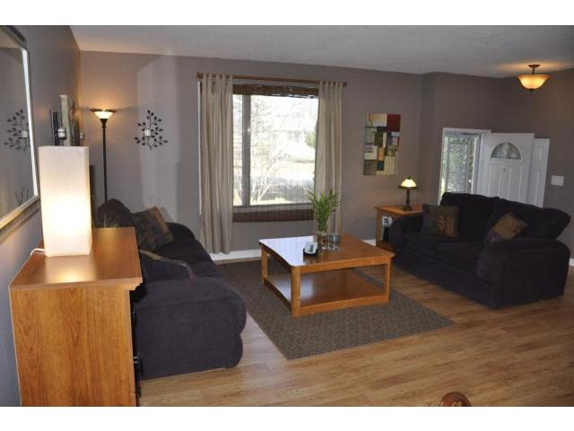 Photo 4: 718 Berkley Street in WINNIPEG: Charleswood Residential for sale (South Winnipeg)  : MLS® # 1206088