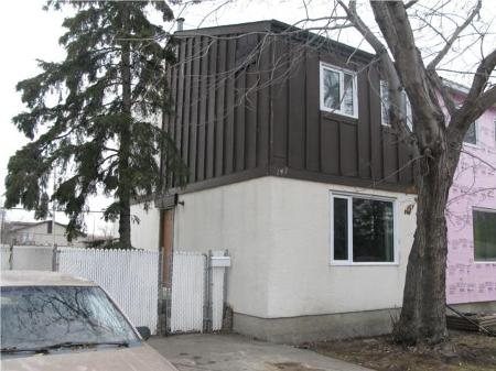 Main Photo: Gorgeous 3 Bedroom 2 Storey Home!