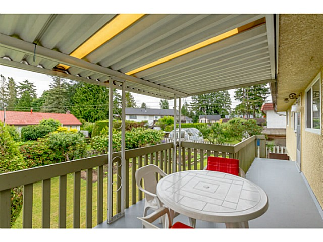 Photo 3: 5747 SPRUCE ST in Burnaby: Deer Lake Place House for sale (Burnaby South)  : MLS(r) # V1071455