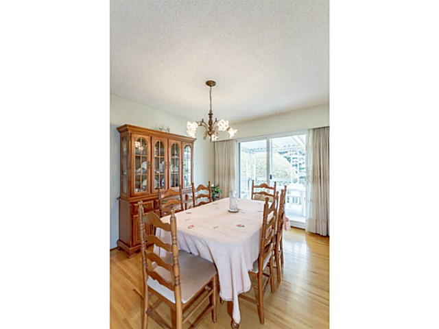 Photo 5: 5747 SPRUCE ST in Burnaby: Deer Lake Place House for sale (Burnaby South)  : MLS(r) # V1071455