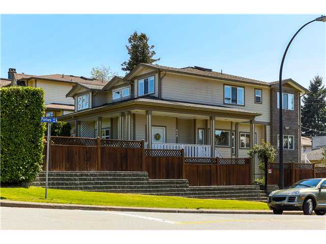 Main Photo: 638 FORBES AV in North Vancouver: Lower Lonsdale Condo for sale : MLS(r) # V1118672