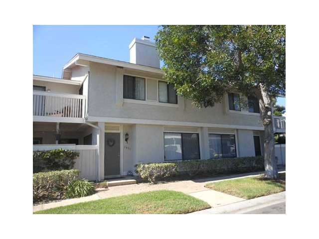 Main Photo: UNIVERSITY CITY Condo for sale : 3 bedrooms : 3849 Camino Lindo in San Diego