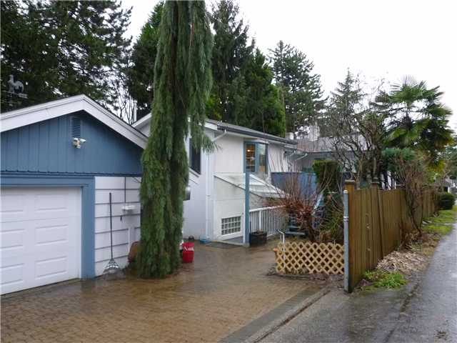 Photo 10: 831 14TH Street in New Westminster: West End NW House for sale : MLS® # V984520