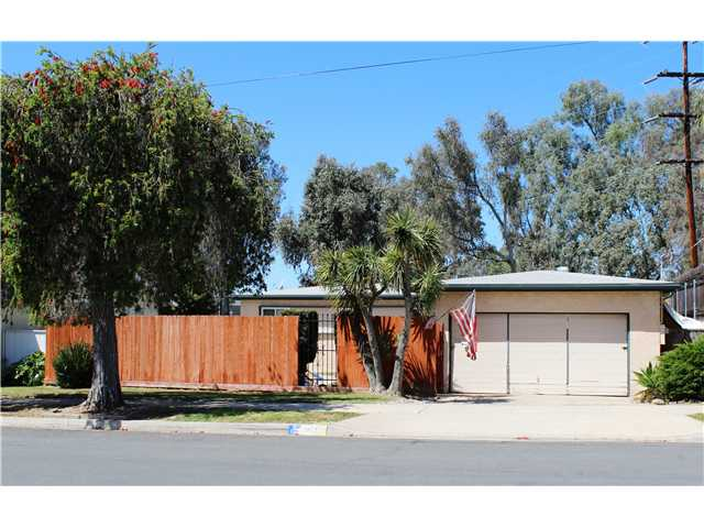Photo 1: CLAIREMONT House for sale : 3 bedrooms : 4966 Gaylord Drive in San Diego