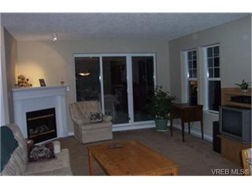 Main Photo: 17 2711 Jacklin Road in VICTORIA: La Langford Proper Townhouse for sale (Langford)  : MLS(r) # 185979