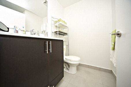 Photo 8: 260 Sackville St Unit #512 in Toronto: Regent Park Condo for sale (Toronto C08)  : MLS® # C2735584